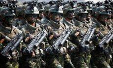 Foto: 'Mūžīgā līdera' jubilejā Ziemeļkorejā noris plaša militārā parāde