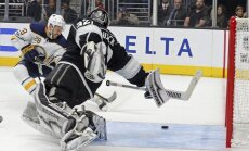 ВИДЕО: Гиргенсонс забросил первую в этом сезоне шайбу в чемпионате НХЛ