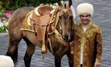 Turkmenistānas prezidents izkārto sev mūža valdīšanu un izdod jau 37. grāmatu