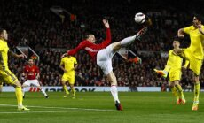 Manchester United s Zlatan Ibrahimovic attempts an overhead kick