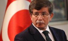 Турецкий премьер попросил Сербию помочь наладить отношения с Россией