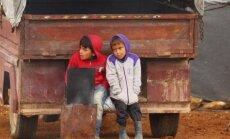Latvija nepamatoti noraida patvēruma meklētāju pieteikumus, uzskata Brisele