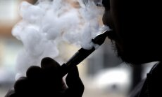 Slimnīcās Anglijā vajadzētu pārdot e-cigaretes, uzskata asociācija