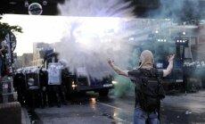 Protestos pret G20 Hamburgā ievainoti vismaz 76 policisti