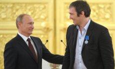 "Навальный про Овечкина: ""Любит Америку, а нам Путина навязывает"""