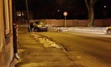 Stērstu ielā Rīgā automašīna notriec cilvēku