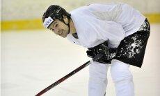 Daugaviņš pievienojies Latvijas hokeja izlases treniņiem