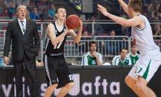 Talantīgais Latvijas basketbolists Kurucs oficiāli noslēdz četru gadu līgumu ar slaveno 'Barcelona'