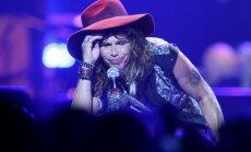 Video: 'Aerosmith' aizvada atraktīvu uzstāšanos Viļņā