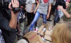 'Konfektes ir provokācija': Austrumukrainā izgāžas separātistu atbalsta kampaņa