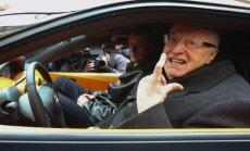 Žirinovskim salūzis krievu izstrādātais elektroauto 'jo-mobilis'