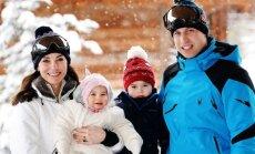 ФОТО: Кейт Миддлтон и принц Уильям впервые отдохнули с детьми в Альпах