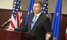 Dombrovskis: neraugoties uz reizēm skaļo retoriku, finanšu jomā sadarbība ar ASV turpinās