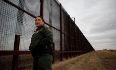 Tramps gatavo rīkojumus imigrācijas ierobežošanai; sola celt sienu