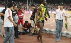 Video: Operators pēc finiša nogāž Boltu no kājām