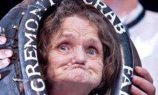 Mirusi sieviete, kura 28 reizes atzīta par neglītāko pasaulē