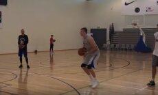 Video: Porziņģis treniņā mācās no ilggadējās NBA zvaigznes Novicka