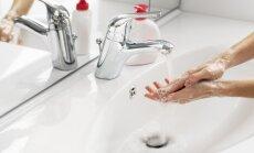 Mediķi: mācību gada sākumā pieaug saslimstība ar infekcijām; rokas jāmazgā rūpīgi