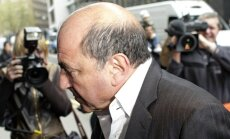 Britu mediķi tiesā apliecina, ka Berezovskis izdarījis pašnāvību; viņa meita to apšauba