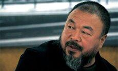 Ķīna atdevusi pasi māksliniekam Ai Veivejam