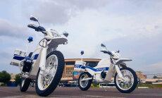 Video: 'Kalašņikov' uz 'Iž' bāzes radījis elektrisku motociklu policijai
