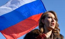 Ksenijai Sobčakai uzbrucis vīrietis, kliedzot 'tas par Žirinovski!'