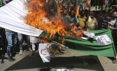 Indieši saniknoti par divu karavīru nogalināšanu; pieprasa atriebties Pakistānai