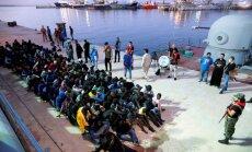 Ruanda piesakās uzņemt 30 000 Lībijā paverdzināto migrantu