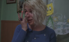 Liene Šomase ģimeņu attiecību šovā izplūst asarās
