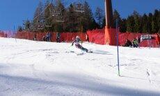 Kādreizējās kalnu slēpotājas Lodziņas meita uzvar neoficiālajā jauniešu pasaules čempionātā