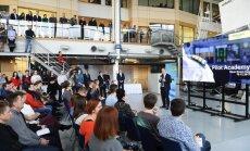 Foto: Liela interese par mācībām 'airBaltic' Pilotu akadēmijā