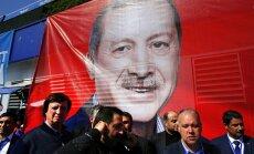 Turki demokrātiski lemj par atteikšanos no demokrātijas. Deviņi fakti