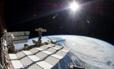 Uz Zemes no SKS atgriežas trīs astronauti