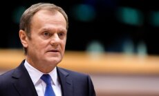 Tusks: ES neatsakās no iespējas pastiprināt sankcijas pret Krieviju