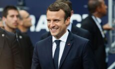 Makrona nometne Francijas parlamenta vēlēšanās ieguvusi absolūto vairākumu