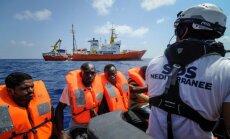 Migrantus no kuģa 'Aquarius' nogādās piecās Eiropas valstīs