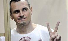 Saeima aicina Krieviju nekavējoties atbrīvot nelikumīgi ieslodzīto Sencovu