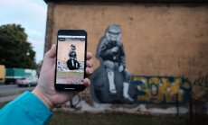 Foto, video: Pārdaugavu grezno igauņu robota zīmēts sienas gleznojums