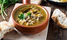 Sātīgas grūbu zupas, kas sasildīs drēgnajās rudens dienās: 12 garšīgas receptes