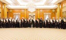 Saūdarābi gatavi samazināt naftas ieguvi, ja Krievija beigs atbalstīt Asadu, ziņo laikraksts