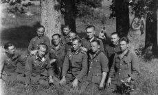 Sena fotogrāfija ļauj vēl reizi 'satikt' karā pazudušo vectēvu