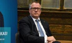 Сейм отклонил запрос оппозиции об отставке министра экономики Арвила Ашераденса