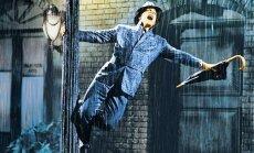 'Splendid Palace' sezonu noslēgs ar slaveno mūziklu 'Dziedošie lietū'