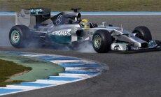 Video: Hamiltons avarē ar jauno 'Mercedes' formulu