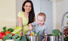 Uztura speciāliste: zīdaiņiem un maziem bērniem nav pieļaujama vegānu un svaigēšanas diēta