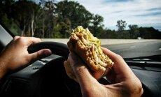 Aptauja: Ceturtā daļa iedzīvotāju pilnībā pārliecināti, ka papildu mācības autovadītājiem uzlabos drošību uz ceļiem