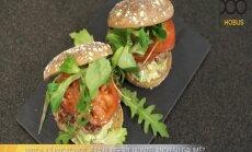 Sātīgs jēra burgers jaunzēlandiešu gaumē – kā pagatavot