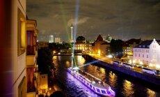 Foto: Berlīnes slavenākie objekti mirdz gaismas festivālos