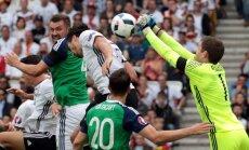 Vācijas un Polijas izlases ar uzvarām noslēdz grupu turnīru