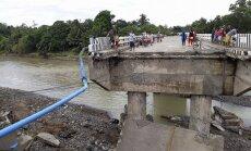 Foto: Tropiskās vētras skartajās Filipīnās turpinās glābšanas darbi